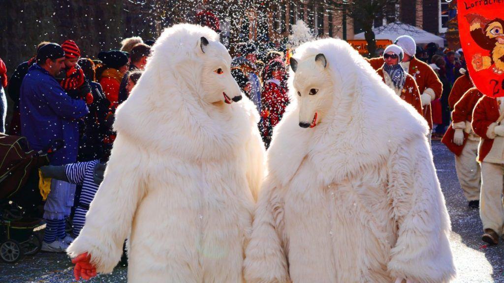 haustausch-an-karneval