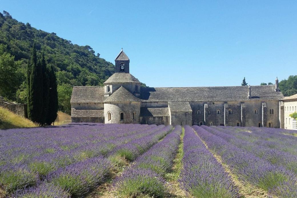 Luberon-Provinz-Lavendel-Kloster-Haustausch-Ende Sommer