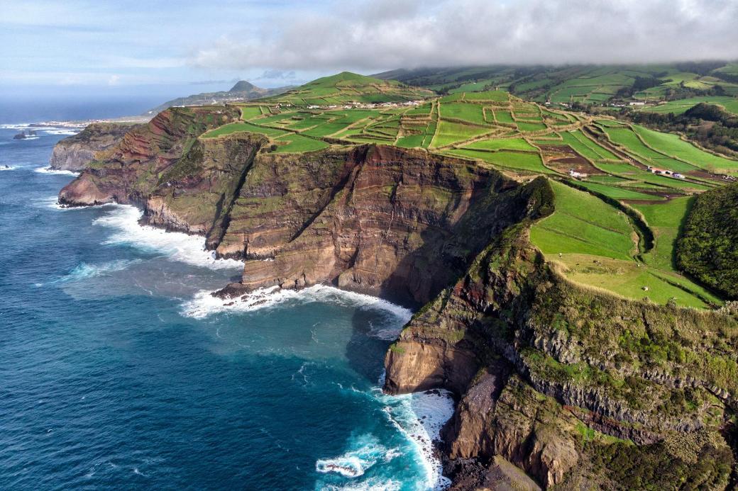 Acores-Azoren-Portugal-Klippe-Urlaub-Ende Sommer-Haustausch